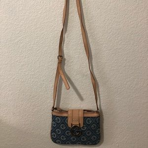 GUESS - crossbody purse brand new. NEVER USED.